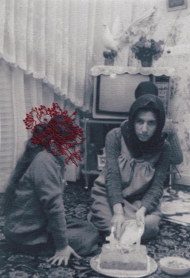 """Samaneh Motalebi, """"NOT SEEN SERIES"""", 2014, op stof gedrukte foto met borduurwerk, 14 x 19 cm."""