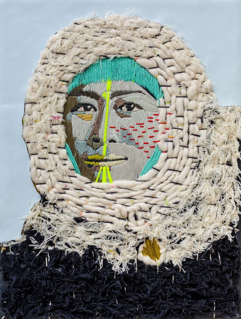 "Preta Wolzak, ""Ma petite inuite #3"", handgeborduurd, leer, 40 x 30 cm."