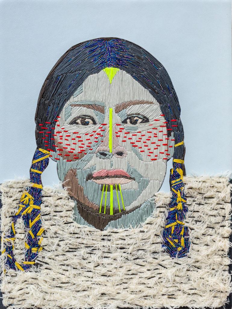 "Preta Wolzak, ""Ma petite inuite #2"", handgeborduurd, leer, 40 x 30 cm."