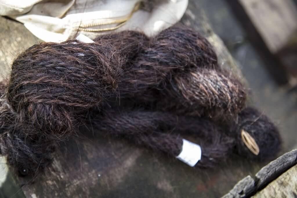 Sanne Visser, Human hair yarn.