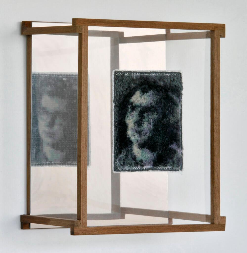 """An Packbiers met haar werk """"Spiegelbeeld"""" - publiekswinnaar Textiel Plus Arts & Crafts Wedstrijd 2018"""