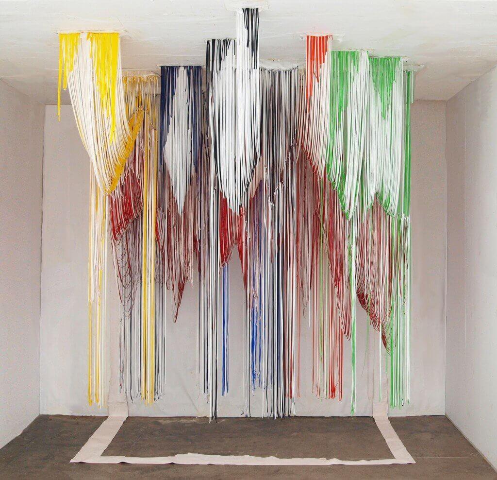 Jonathan Gabb, installatie van acrylverf