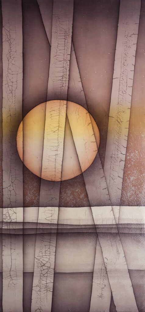 "Rita Trefois, ""Full moon behind devastation"", 2018, batik op katoen, 40 x 85 cm (foto: Ria van Dijk)."