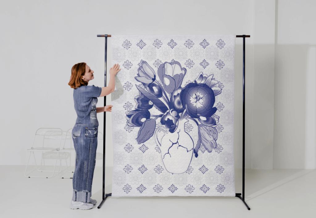 """Lola van Praag, """"De Bollenpelster"""", Eco katoen, gerecycled polyester, gerecycled urex, eco col, 215 x 135 cm."""