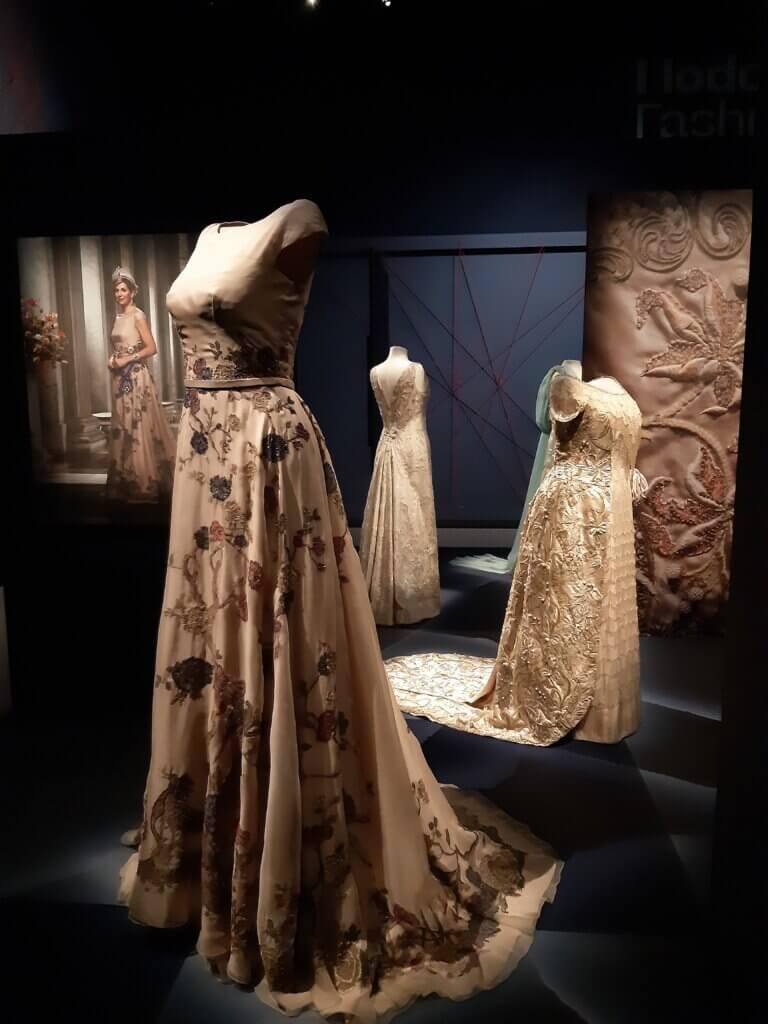Avondjapon, gemaakt voor koningin Máxima der Nederlanden, Jan Taminiau, 2015, zijde, kralen, pailletten.