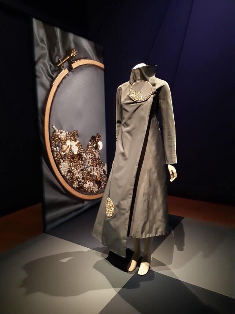 Viktor & Rolf, Dots (First Couture Collectie), 1997-98, polyamide, nylon, kralen, pailletten.